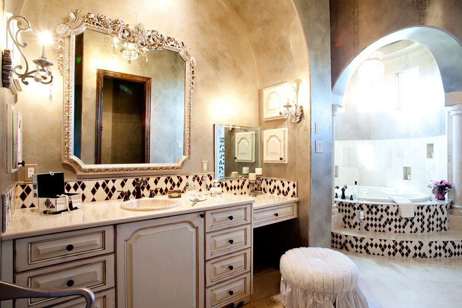 Bissett court gallery 2303 designs interior design for Bathroom interior design austin tx